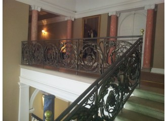Dressing Port Lypmne Mansions Staircase & Photo Shoot Flower