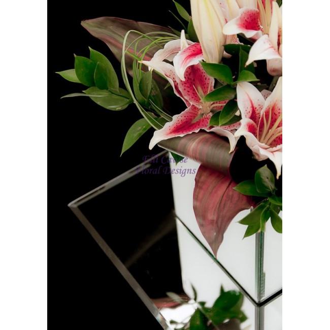 Lilys Compliment Our Mirror Cube Vases 000 Elli Cawse Floral