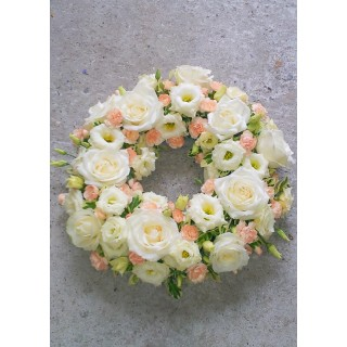 Peaches & Creams Loose Wreath