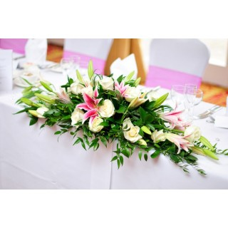 Star Gazer Lily Top Table Design